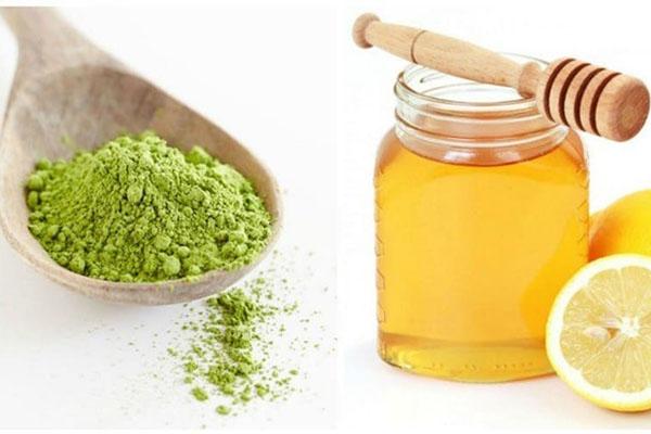 Ngoài nước cốt chanh, các bạn có thể kết hợp mật ong với trà xanh để làm thành gel se khít vùng kín