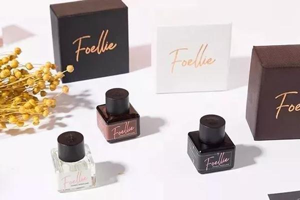 Trên thị trường, nước hoa vùng kín Foellie có giá dao động khoảng 250 000 đồng đến 300 000 đồng