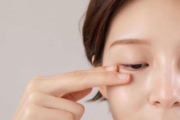 Những thành phần dưới đây sẽ giúp kem của bạn trị thâm mắt hiệu quả