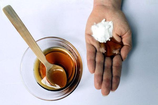 Cách trị thâm mông bằng baking soda và mật ong